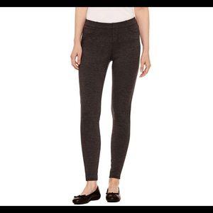 Skinny Leg Leggings w/ back pockets